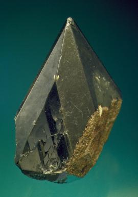 Powellite, North Tamarack Mine, Houghton County, Michigan. Michigan's finest powellite crystal. Until the recent discovery of outstanding powellites in India, this was the world's finest powellite. From the collection of J. T. Reeder. Specimen 4.8 cm tall. Photo by J. Scovil. (JTR 1777)